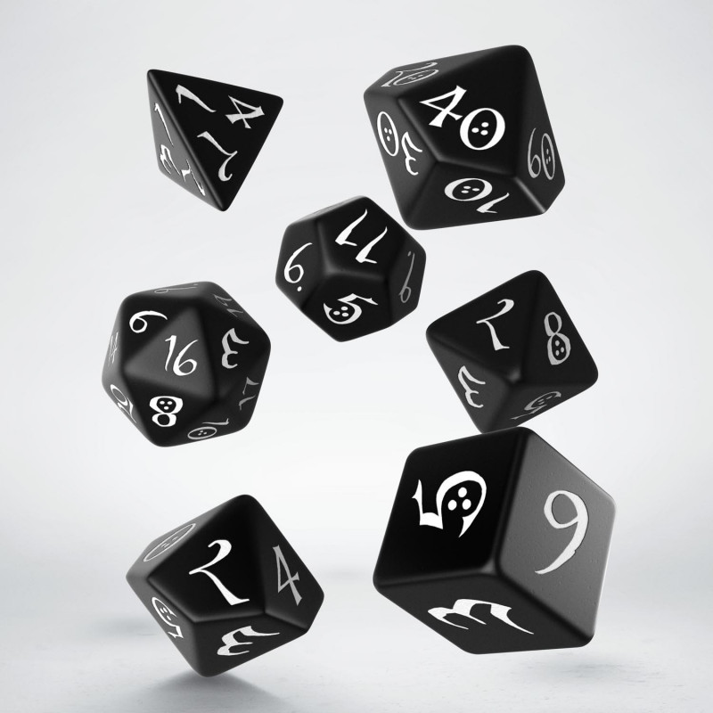Kocka Set (7) QW Classic Dice Set Black & white